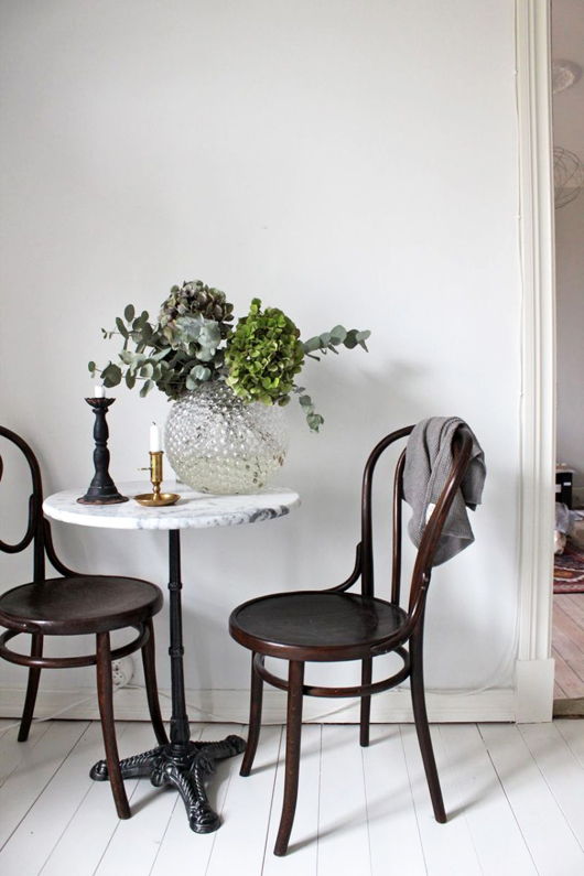 lovely-life-bentwood-chairs