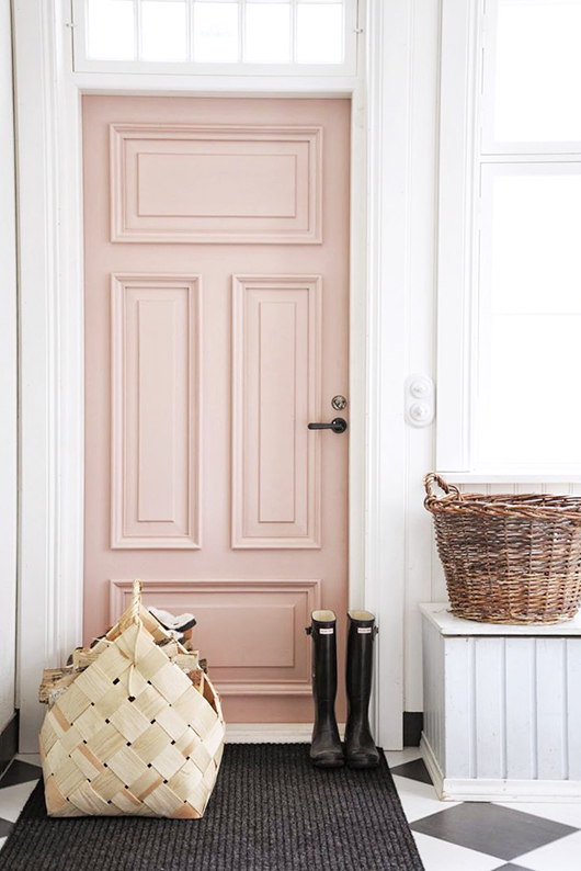 rose quartz colored door / sfgirlbybay