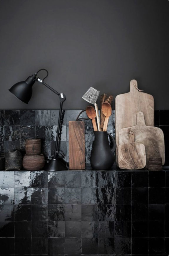 glossy black kitchen backsplash tiles. / sfgirlbybay