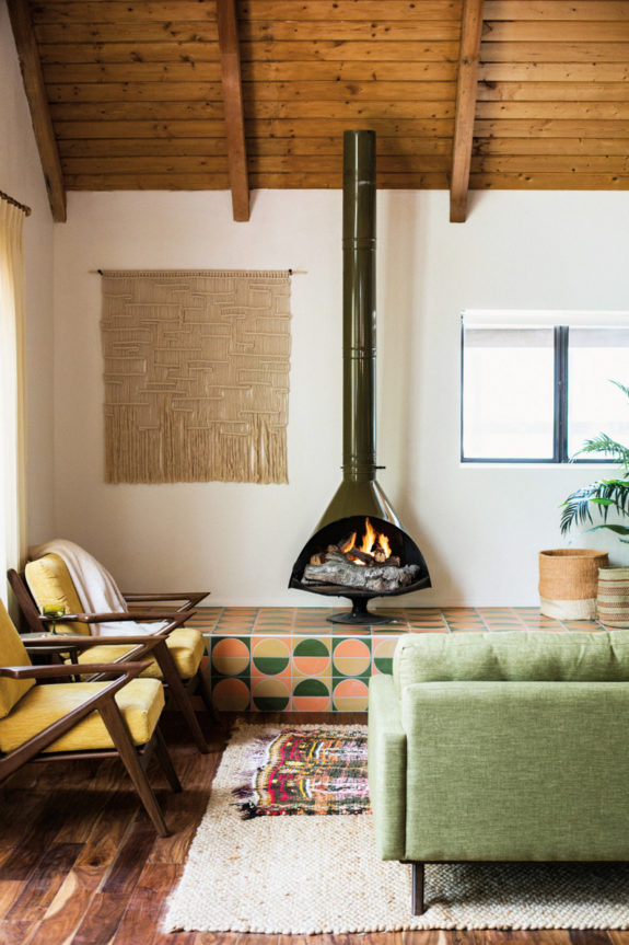 the kitchy cabin in big bear with mid-century modern fireplace. / sfgirlbybay