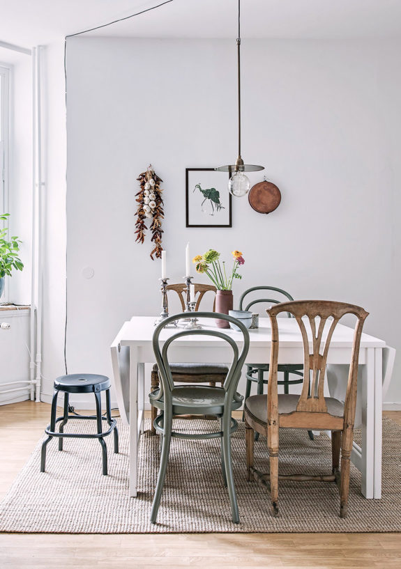inspiring dining table styled with mismatched vintage chairs. / sfgirlbybay