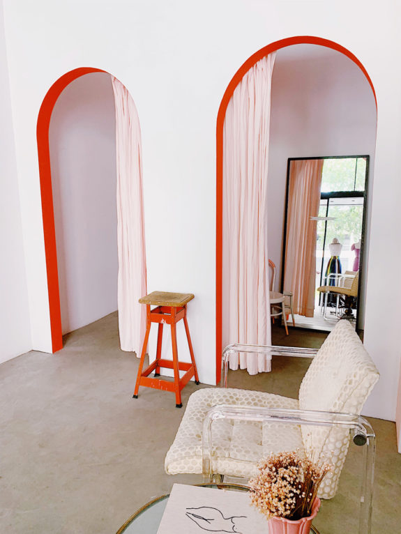 pale pink & coral arched walls. / sfgirlbybay