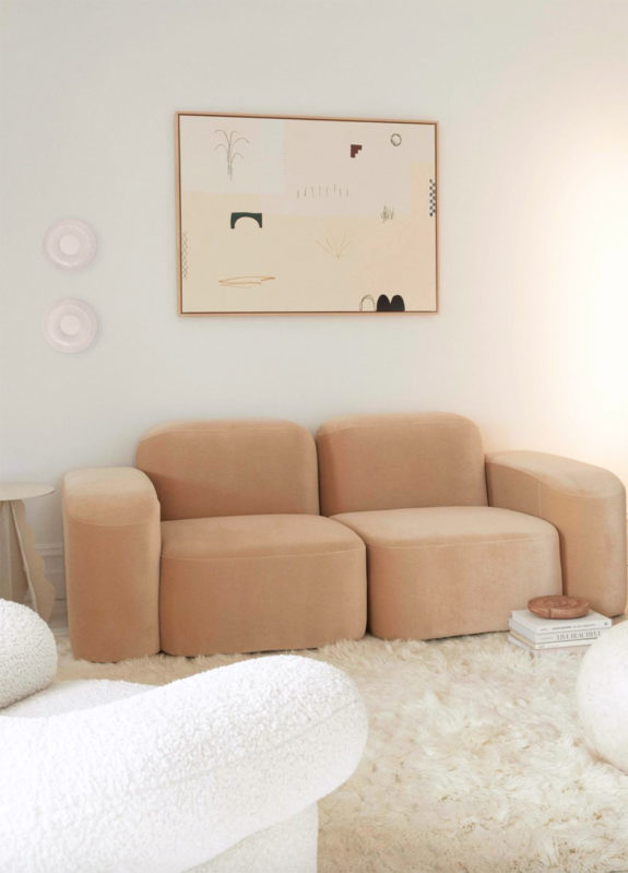 pale peach velvet loungey sofa from vogue. / sfgirlbybay