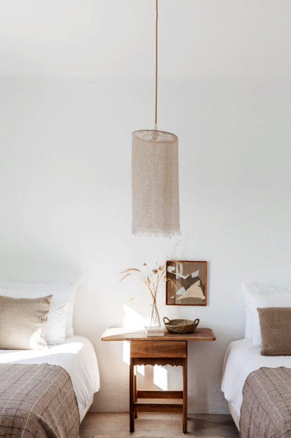 living in simple, restrained style / sfgirlbybay